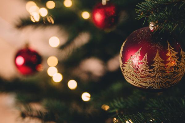 Sapin de Noël : différentes personnalités, différentes décorations !